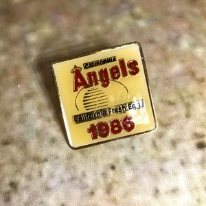 Vintage 1986 Angels baseball lapel pin